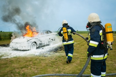 automobile-burning-car-478631.jpg